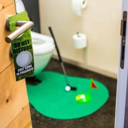 Geschenke für Eltern / das-ultimative-golfset-fur-die-toilette-421