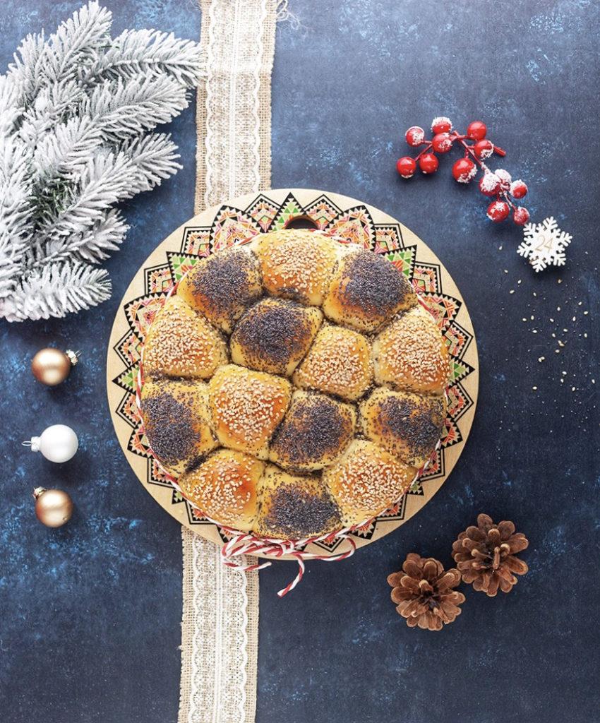 Gefüllter Brotkranz italienischer Art als Vorspeise für Weihnachten
