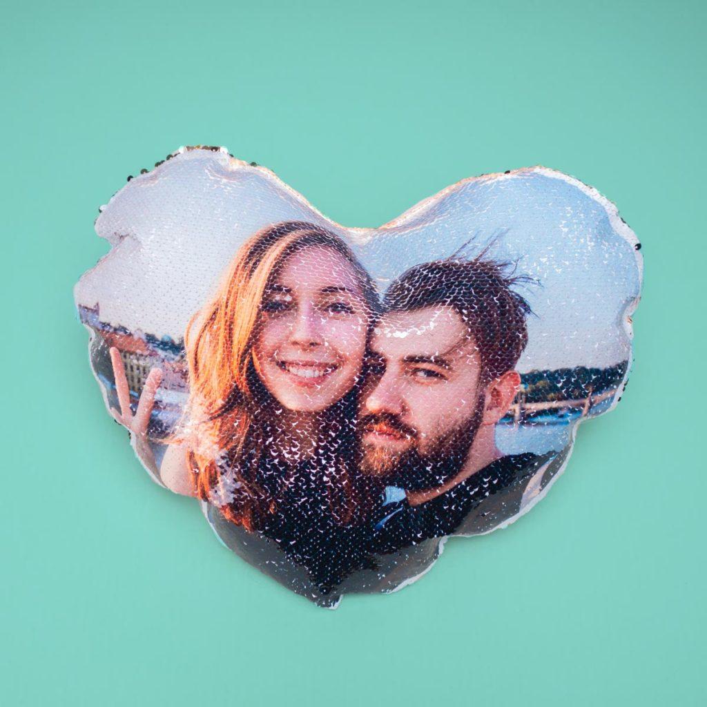 Valentinstag Geschenke personalisiertes Glitzerkissen