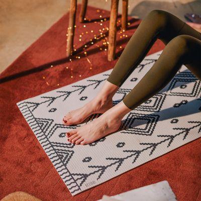 Yoga-Matte in verschiedenen Designs