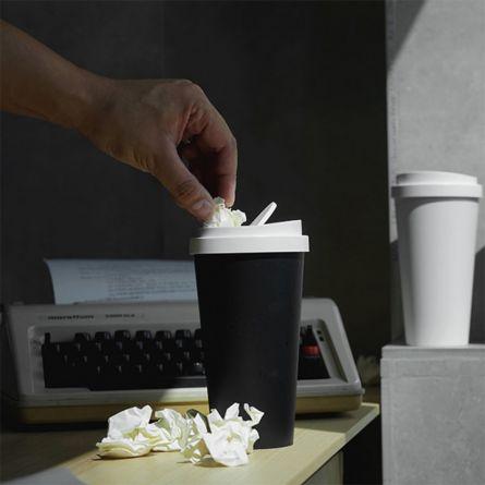 Mini Müllkübel im Kaffeebecher-Design