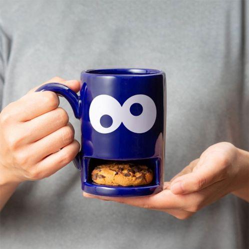 Monster-Tasse mit Keks-Fach