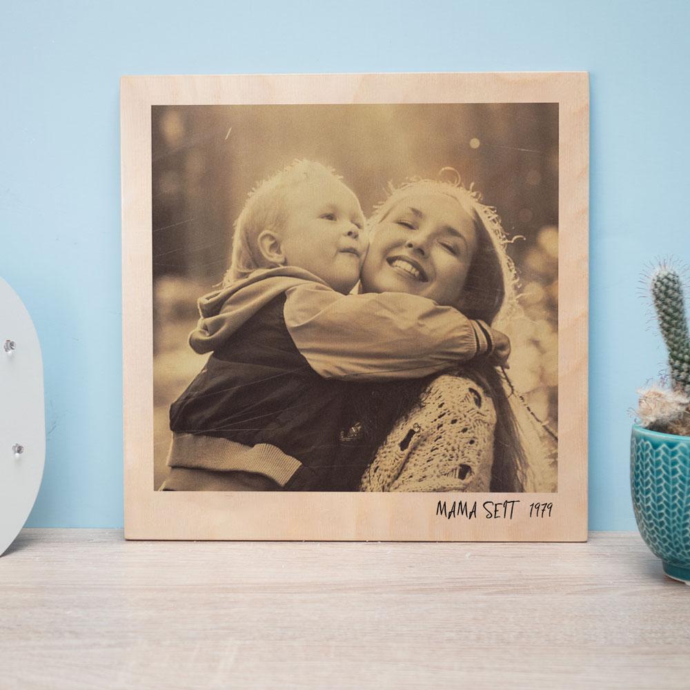 muttertagsgeschenk personalisierbares holzbild im polaroid look