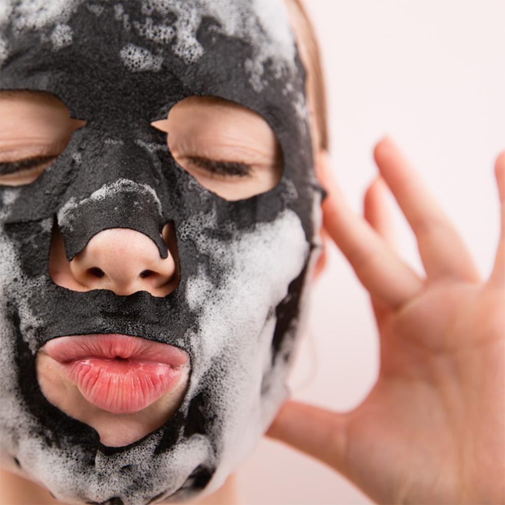 Bläschen Gesichtsmaske