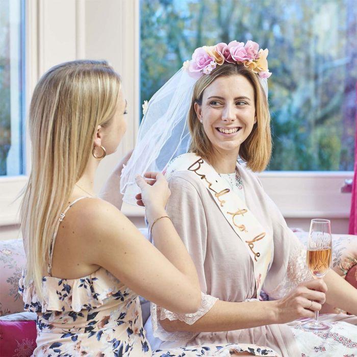 Brautschleier mit Blüten