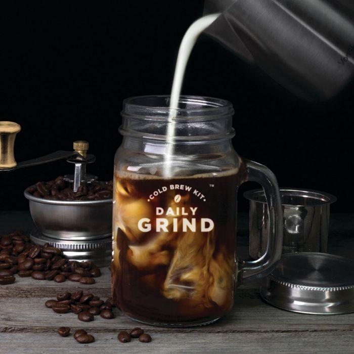 Daily Grind Kaffeemühle mit Henkelglas