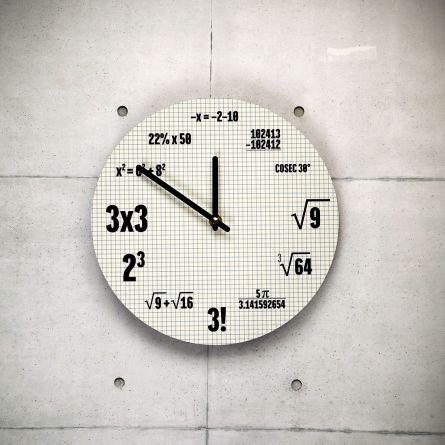 Mathematik Uhr