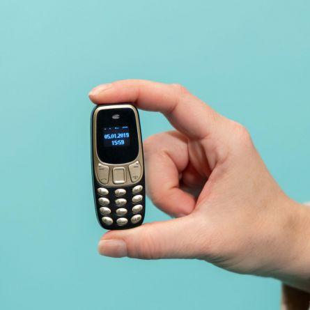 Der Welt kleinstes Mobiltelefon