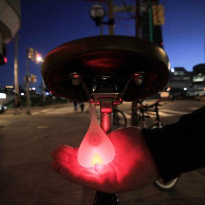 Geschenk zum Abschluss - Bike Balls Fahrrad Rücklicht