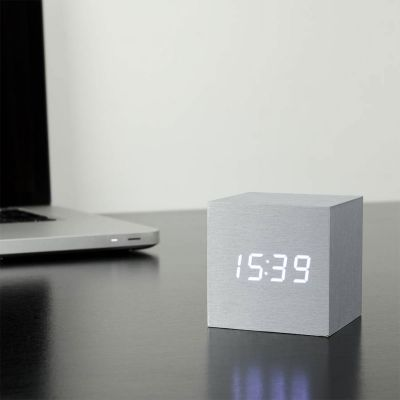 Geschenke für Männer - Cube Click Clock