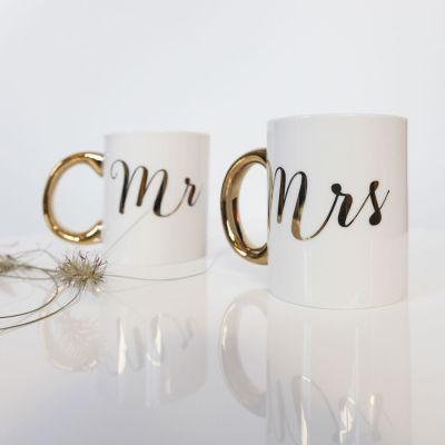 Valentinstag Geschenke - Goldene Tassen Mr & Mrs