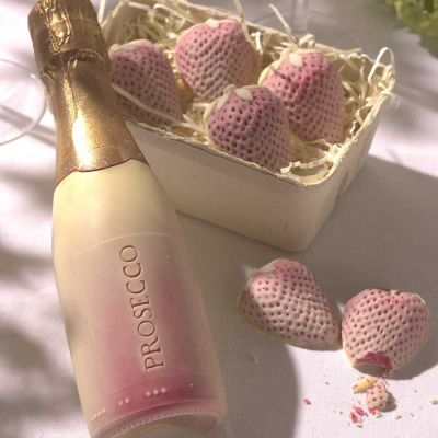 Weihnachtsgeschenke für Eltern - Prosecco und Erdbeeren aus Schokolade