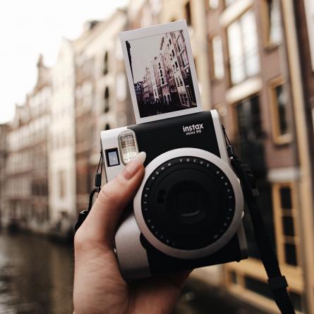 Fuji Instax Mini 90 Sofortbildkameras