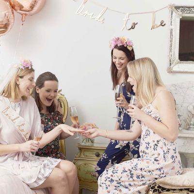 Kleidung & Accessoires - Blossom Girls Blumen Kopfschmuck