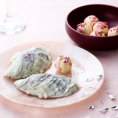 Süßigkeiten - Schokolade-Austern und Champagner-Trüffel