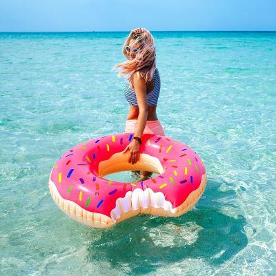 Reise Gadgets - Riesen Donut Schwimmreifen