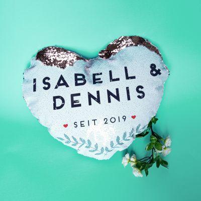 Hochzeitstag Geschenk - Personalisierbarer Pailletten Kissenbezug in Herzform mit Namen