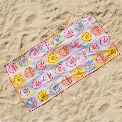 Draußen - Love Hearts Strandtuch