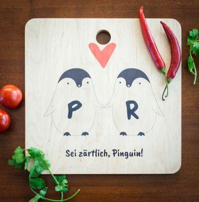 Personalisierte Geschenke aus Holz - Personalisierbares Pinguin Pärchen Schneidebrett