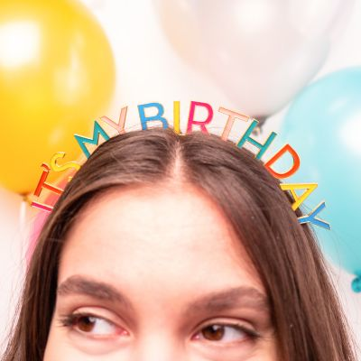 Geburtstagsgeschenke - Geburtstags-Kopfschmuck in Regenbogenfarben
