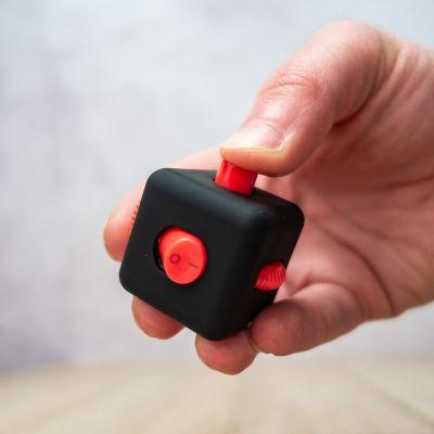 Spielzeug - Twiddle Cube Anti-Stress-Würfel