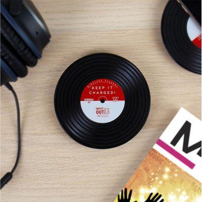 Handy Gadgets - Induktions Ladegerät im Schallplatten-Design