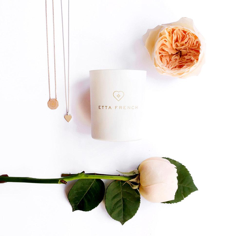 Duftkerzen mit verstecktem Schmuck Rose, Safran Vetivergras
