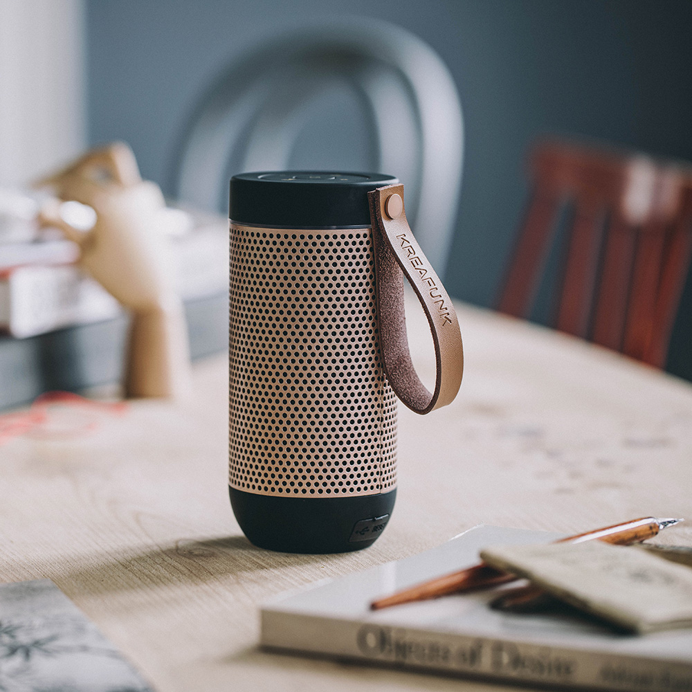 aFunk 360° Lautsprecher mit Bluetooth Weiß rosa goldenes Gitter