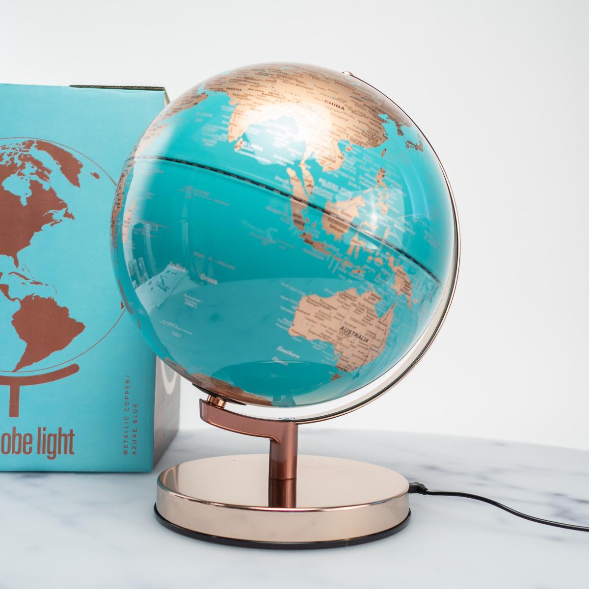 Beleuchteter Metall Globus