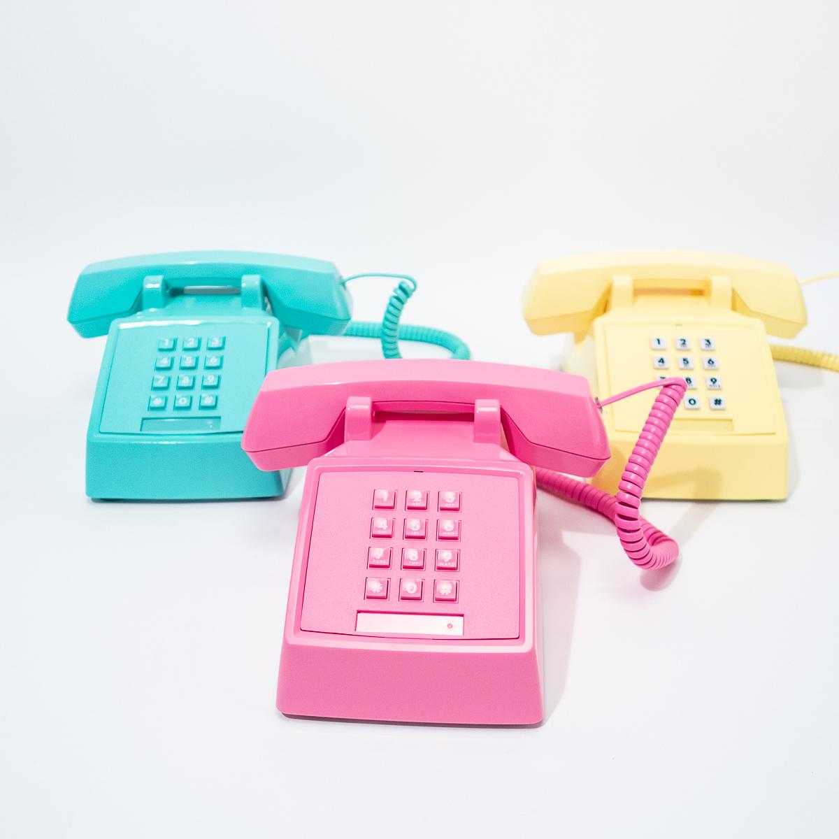 Retro Telefone im 80er Look Pink
