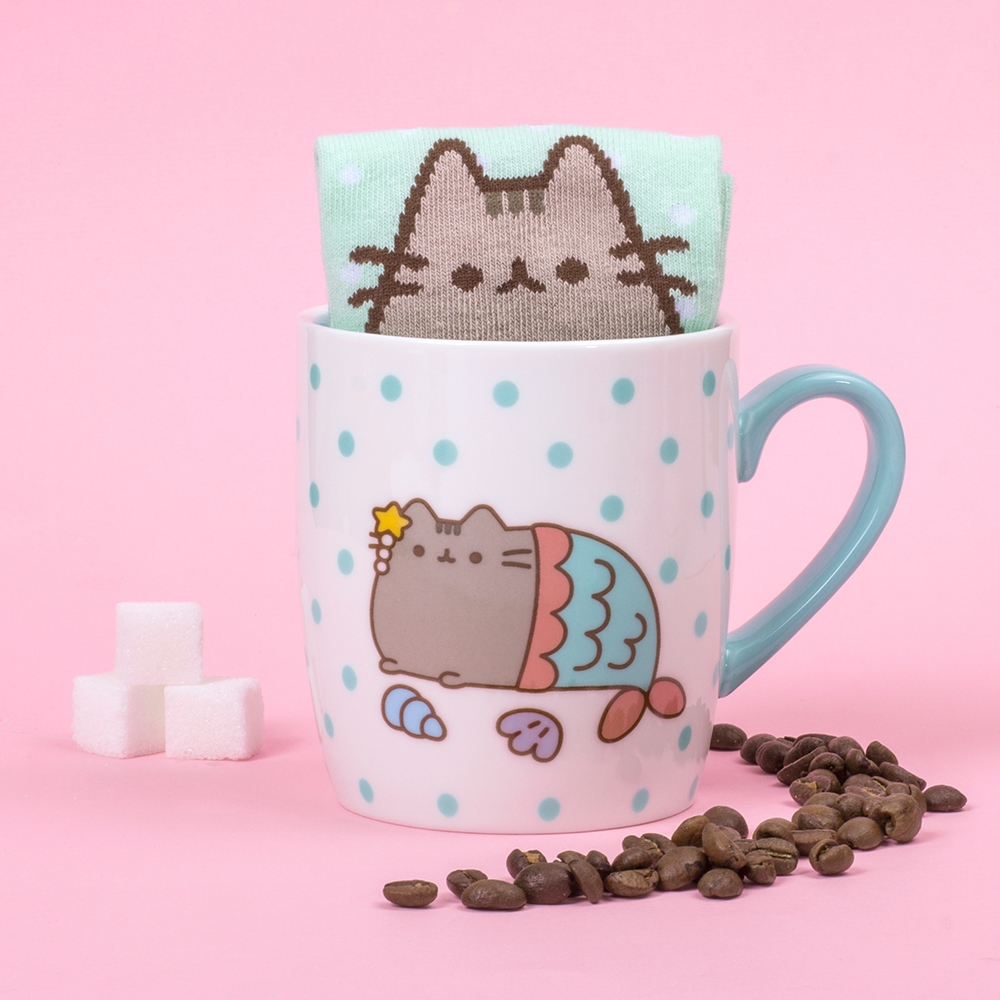 Pusheen Socken in der Tasse