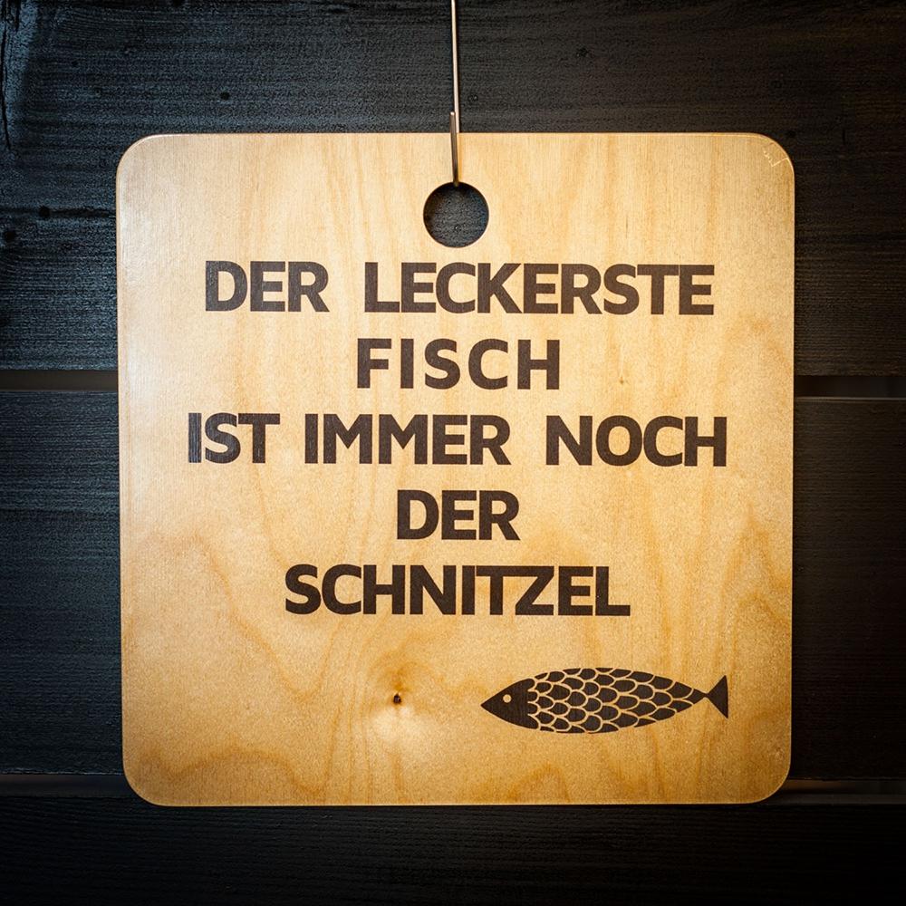Schnitzel Fisch Schneidebrett Design